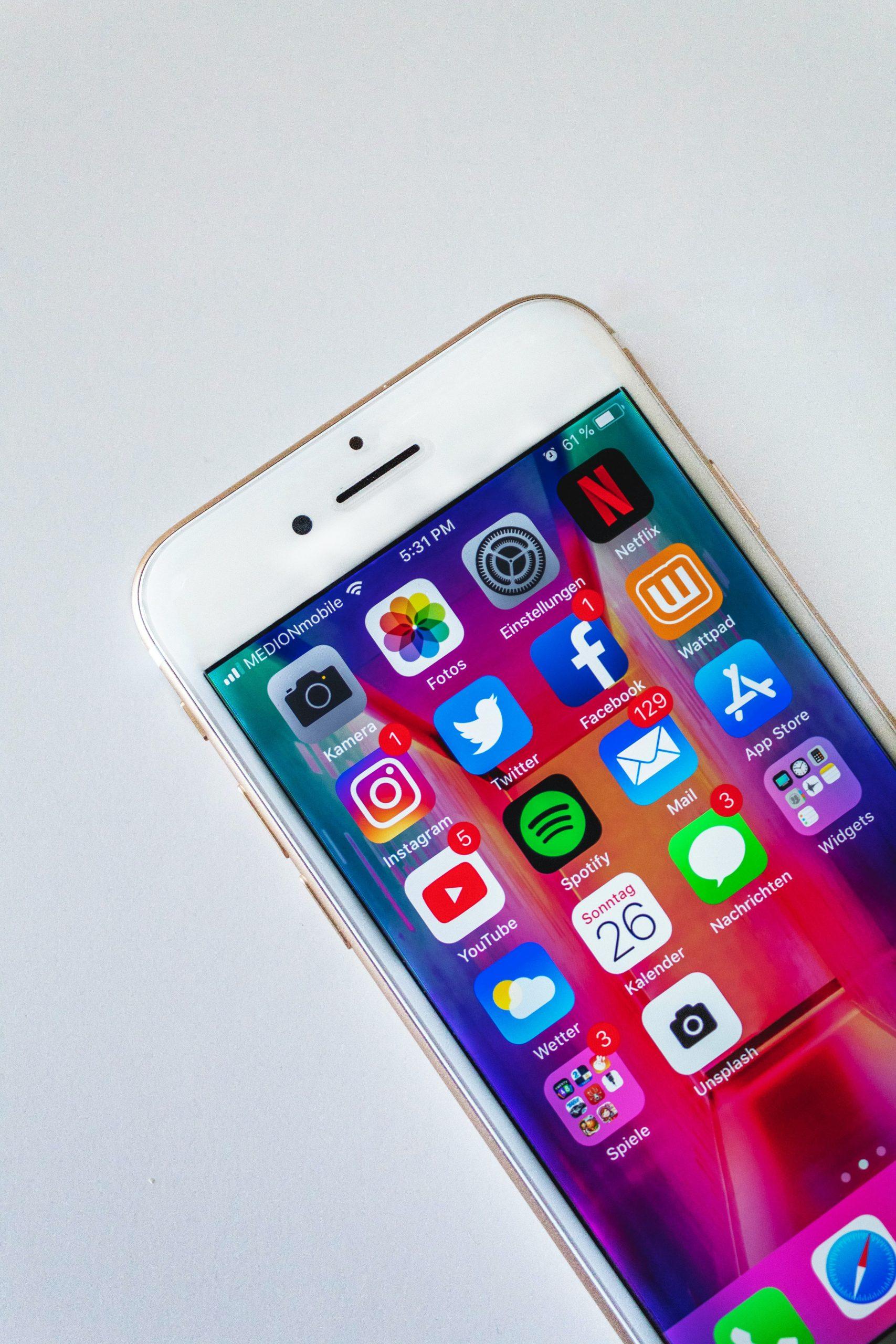 Iphone visar ikoner för sociala medier